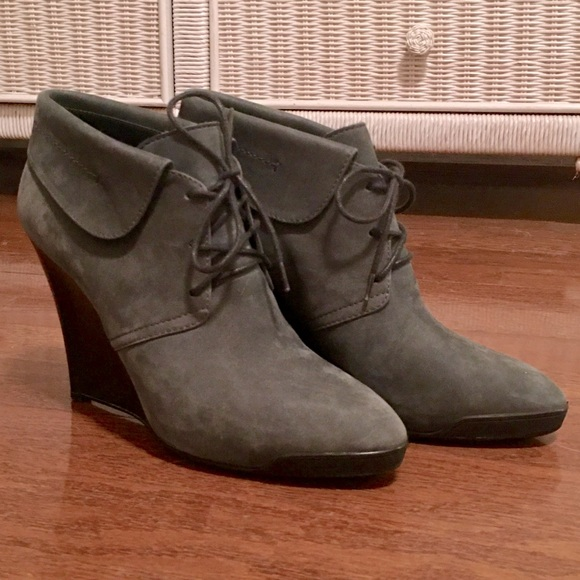 tod's lace up booties